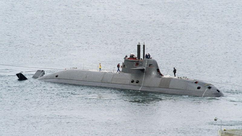 El Jefe de la Base Naval Mar del Plata anunció la intención de comprar submarinos. La Armada lo niega. 212_pr10