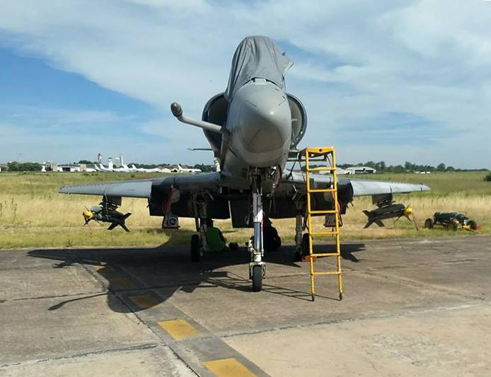 Fotos de la Fuerza Aérea Argentina - Página 3 A4arpa11