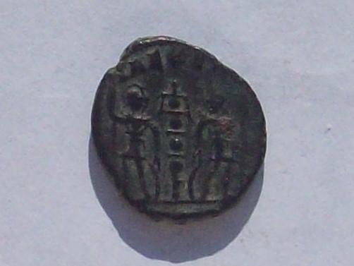 AE4 de Constancio II. GLOR-IA EXER-CITVS. Estandarte entre dos soldados. 102_4101