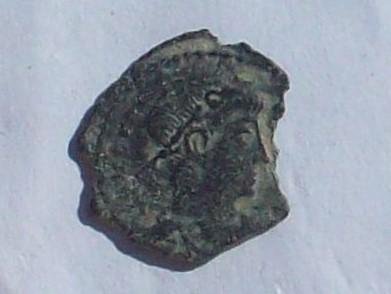 AE4 de Constante o Constancio II. VICTORIAE DD AVGG Q NN 102_4128