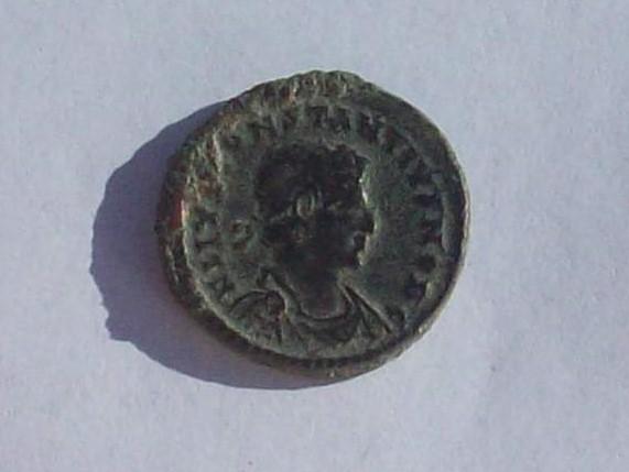 AE3 de Constancio II. GLORIA EXERCITVS. Cycico  102_4234