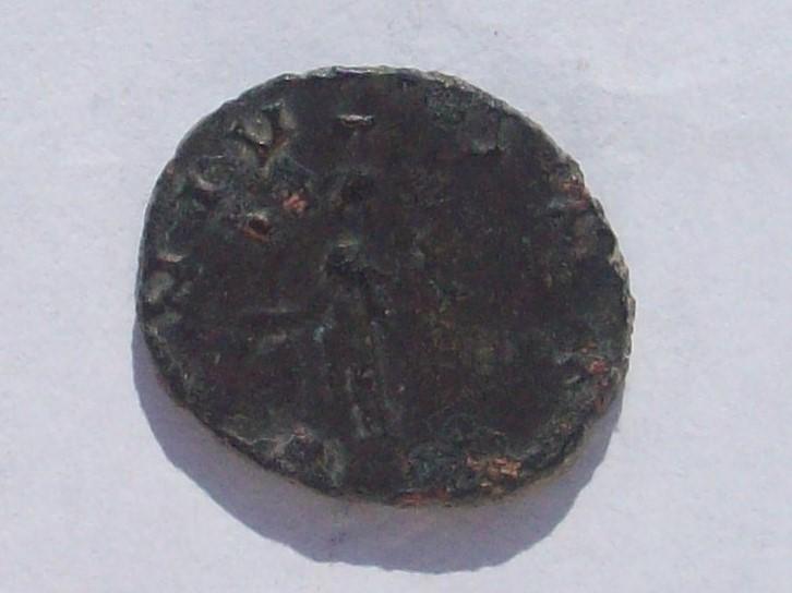 Antoniniano de Claudio II. GENIVS EXERCI. Genio estante a izq. Roma 102_4297