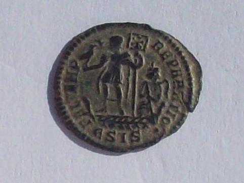 AE3 de Constante I. FEL TEMP - REPARATIO. Emperador estante a izq. sobre galera. Siscia. 102_4321