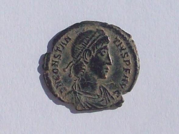 AE3 de Constancio II. FEL TEMP - REPARATIO. Soldado romano alanceando a jinete caído. Aquileia. 102_4357