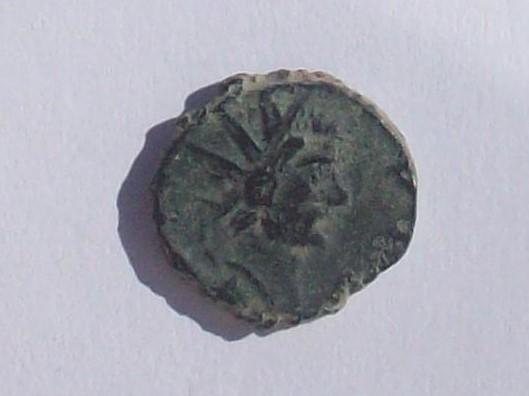 Radiado póstumo de Claudio II. CONSECRATIO. águila. (cuño hispano) 102_4379