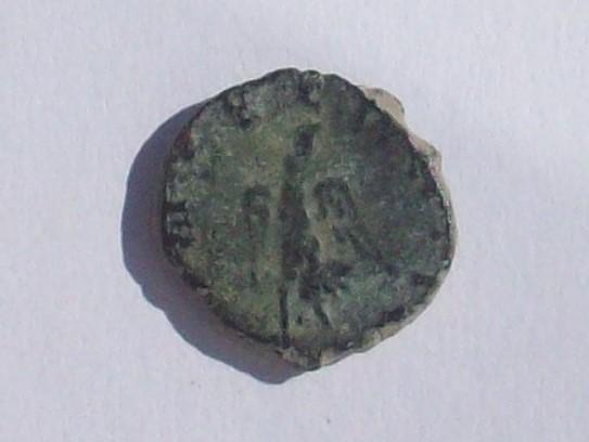Radiado póstumo de Claudio II. CONSECRATIO. águila. (cuño hispano) 102_4380