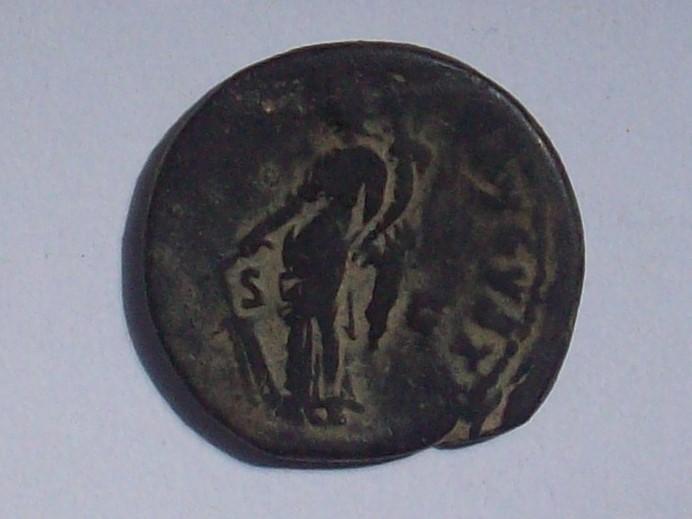 As de Domiciano. FORTVNAE AVGVSTI - S C. Fortuna estante a izq. Roma. 102_4417