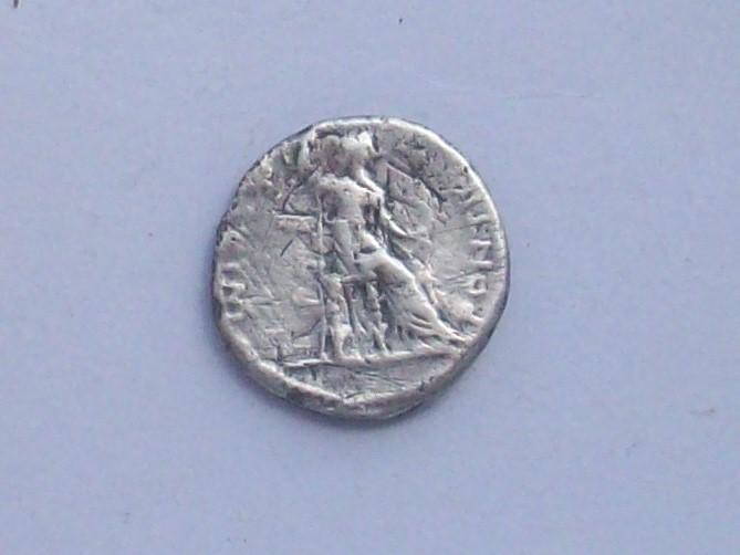 Denario de Tiberio. PONTIF MAXIM. Lyon 102_4513