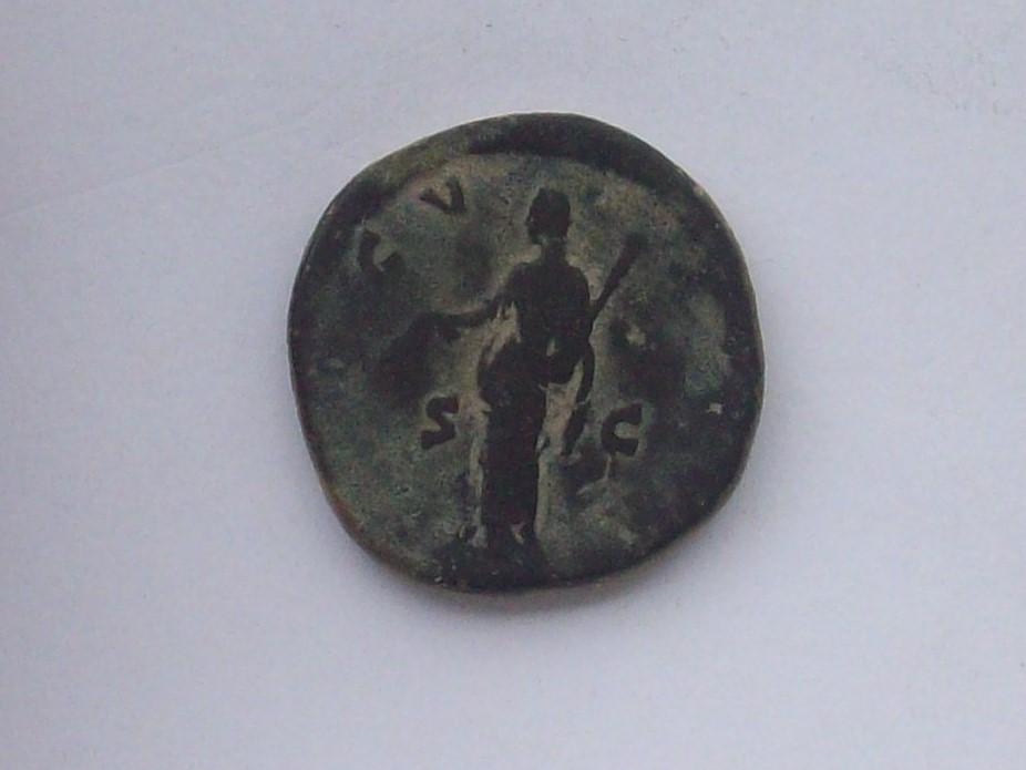 Sestercio de Faustina I. AVGV-STA. Ceres estante a izq. Roma. 102_4517