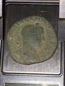 Sestercio de Filipo II. LIBERALITAS AVGG III - S C. Filipo I y II sedentes a izq. Roma. Img-2024