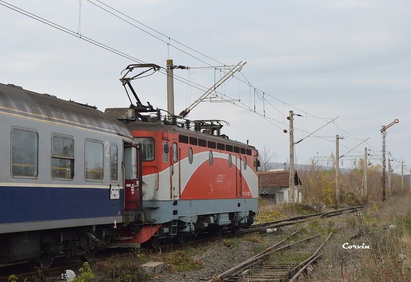 Locomotive clasa 46 - Pagina 57 Dsc_0085