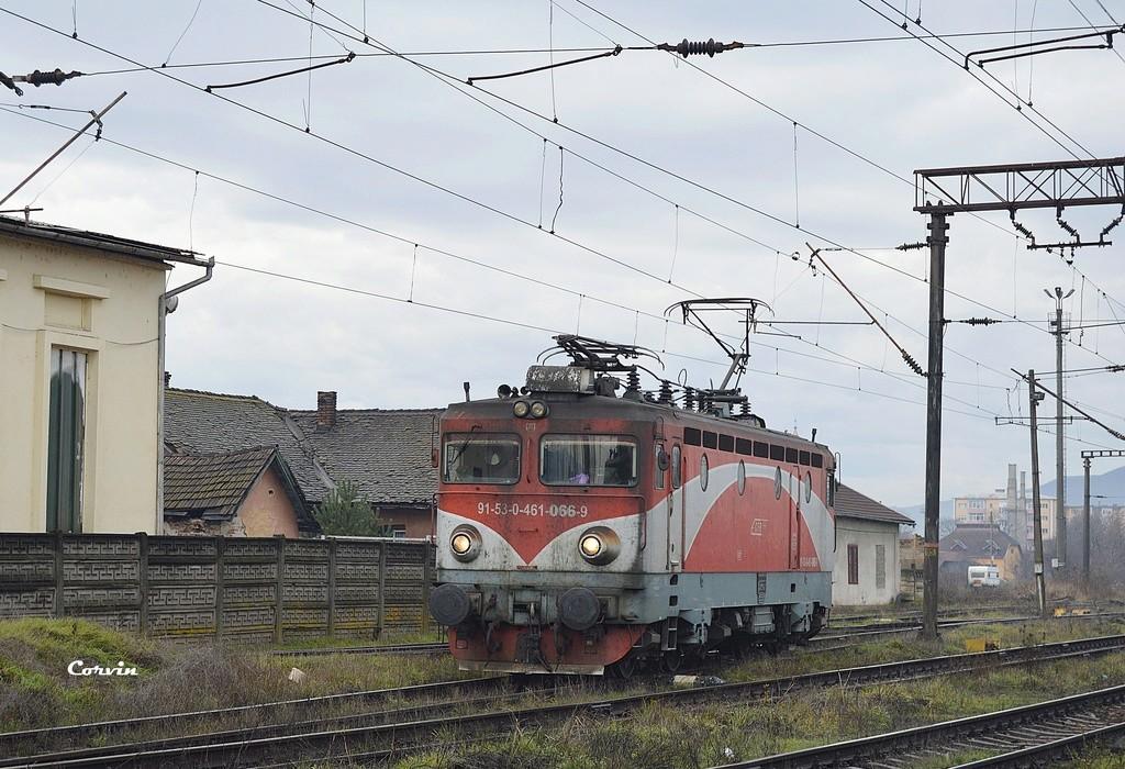 Locomotive clasa 46 - Pagina 57 Dsc_0232