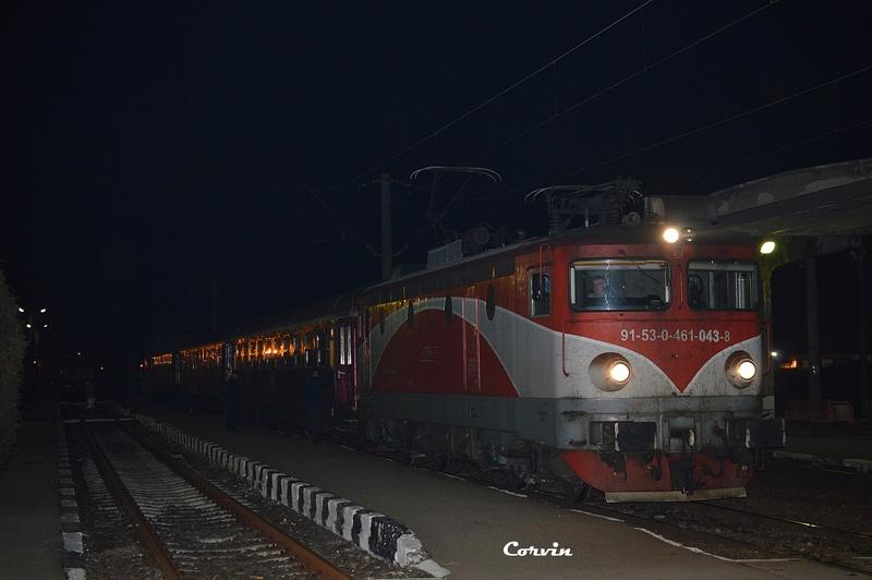 Locomotive clasa 46 - Pagina 57 Dsc_0241