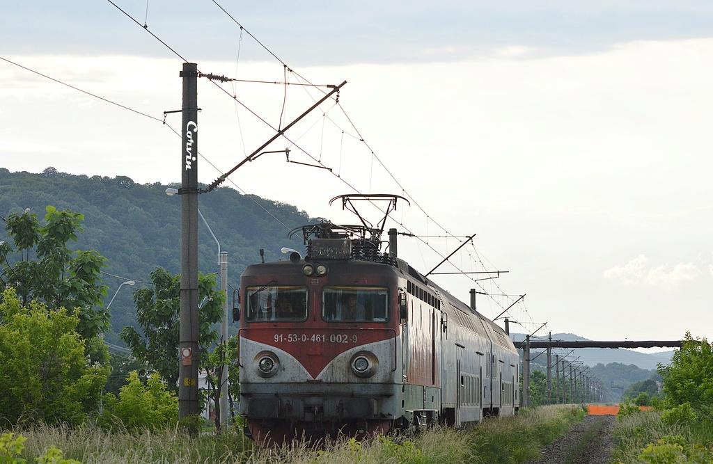 Locomotive clasa 46 - Pagina 57 Dsc_0524