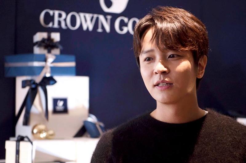 KIM JEONG HOON COMO INVITADO EN UNA FIESTA PRIVADA DE LA MARCA CROWN GOOSE Kjh_a_10