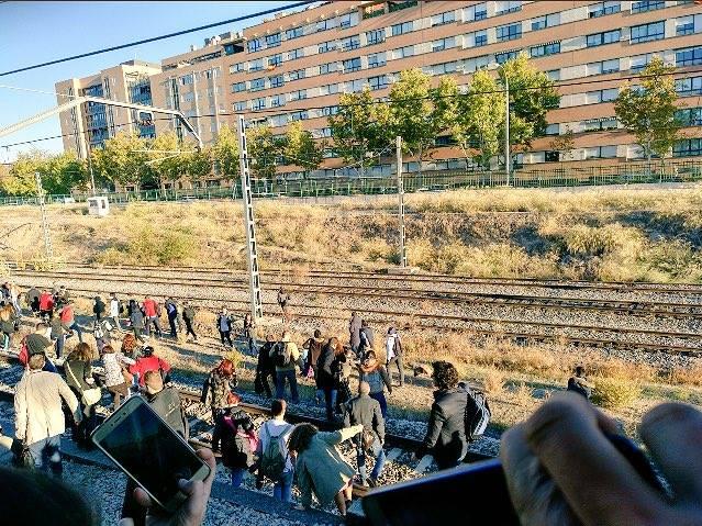 PRIVATIZACIÓN trenes de CERCANÍAS 23316511