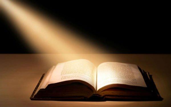 ATEO ABDUCIDO POR E,Ts. PARA CONVERTIRLO AL CRISTIANISMO? Maxres11