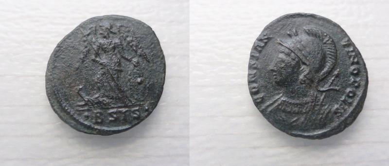 AE3 conmemorativa de Constantinopolis. Victoria estante a izq. sobre proa. Siscia. P1060010
