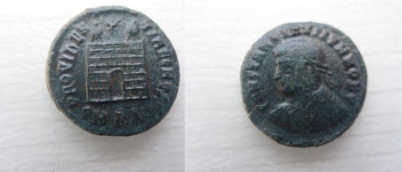AE3 de Constantino II. PROVIDENTIAE CAESS. Puerta de campamento. Cycico P1060111