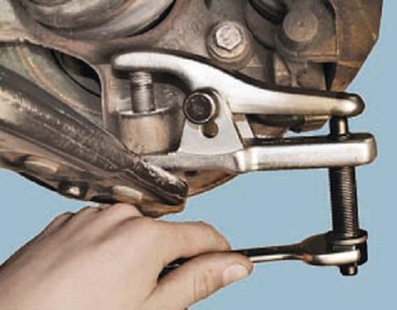 Reemplazo de la articulación de SUV Chery Tiggo (Silentblock) para evitar vibraciones Ccarpe10