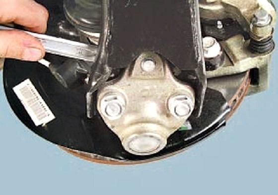 Reemplazo de la articulación de SUV Chery Tiggo (Silentblock) para evitar vibraciones Dcarpe10