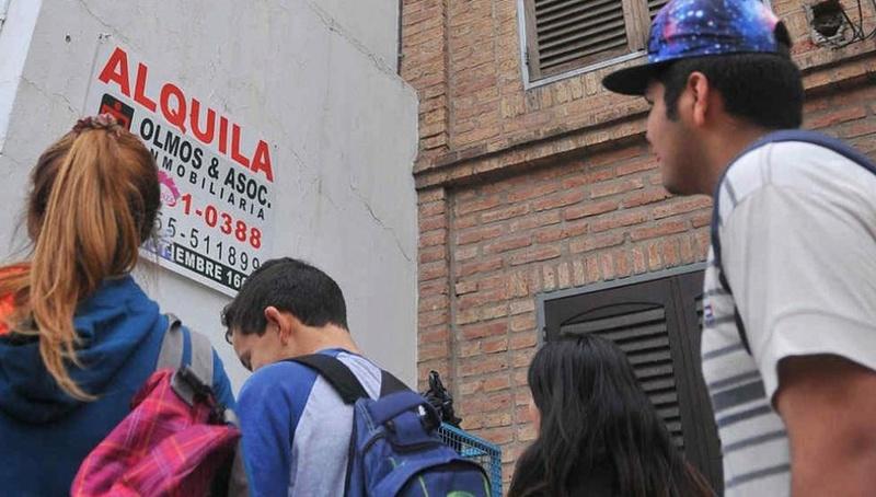 Un alquiler para estudiantes en Junín cuesta entre 4500 y 6000 pesos. 00114