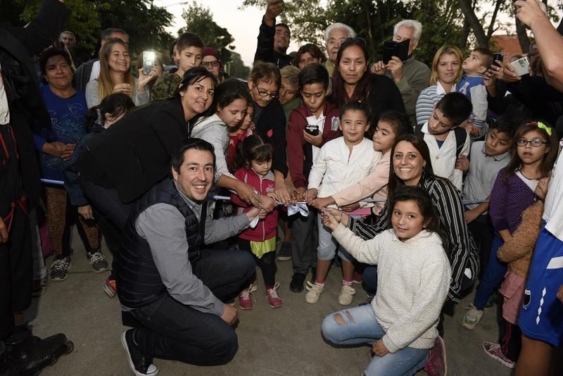 Malvinas Argentinas: Nuevo pavimento que une dos barrios. _car3811