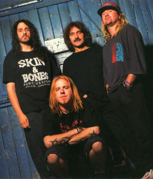 Black Sabbath: Reunion, 1998 (p. 37) - Página 12 Gzr_ba15