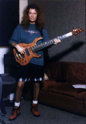 Black Sabbath: Reunion, 1998 (p. 37) - Página 11 Hughes10