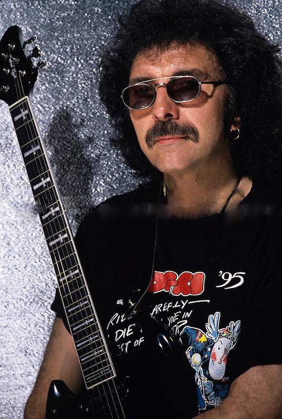 Black Sabbath: Reunion, 1998 (p. 37) - Página 11 Tony-i10