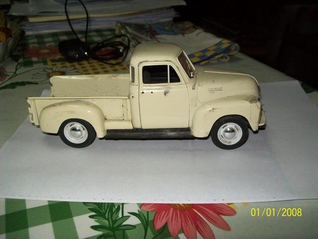 Reconstrucción y modificación de pickup Chevrolet 1953 Welly 1/24   100_4910