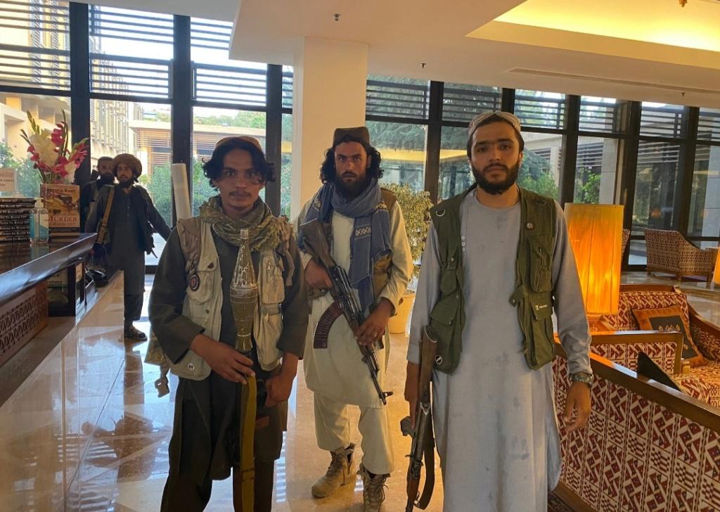 Los talibanes vuelven a controlar Afganistán - Página 3 Img_2135