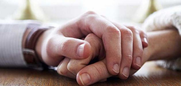 علامات تدل أن زوجك لن يتخلى عن حبه لك  22222212
