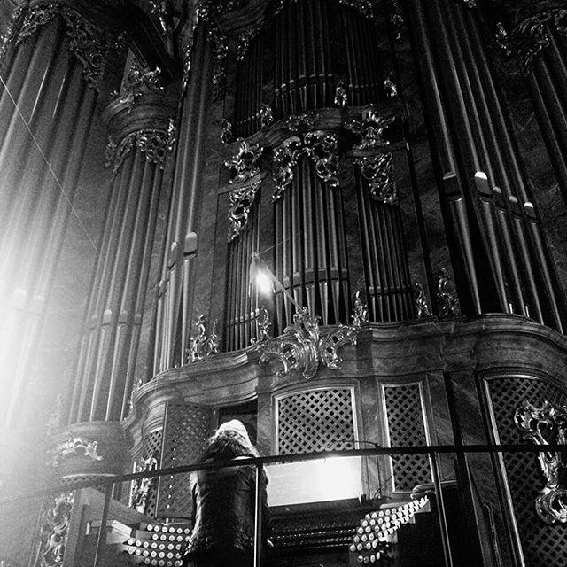 """Anna von Hausswolff - """"All Thoughts Fly"""" (2020) - Instrumental órgano de tubos - Página 10 22710310"""