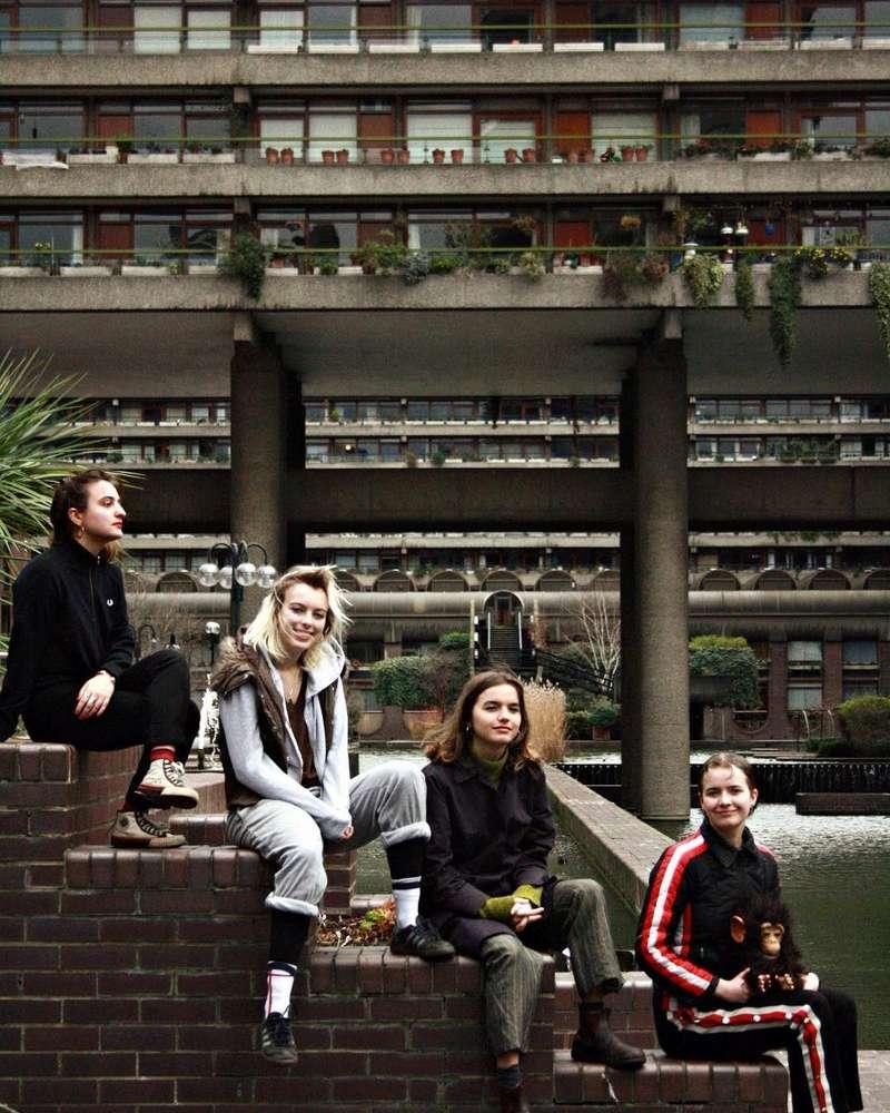 Goat Girl - rocky/grungy/punk - Rock oscuro y sutil - Escena sur de Londres - Página 2 29400510
