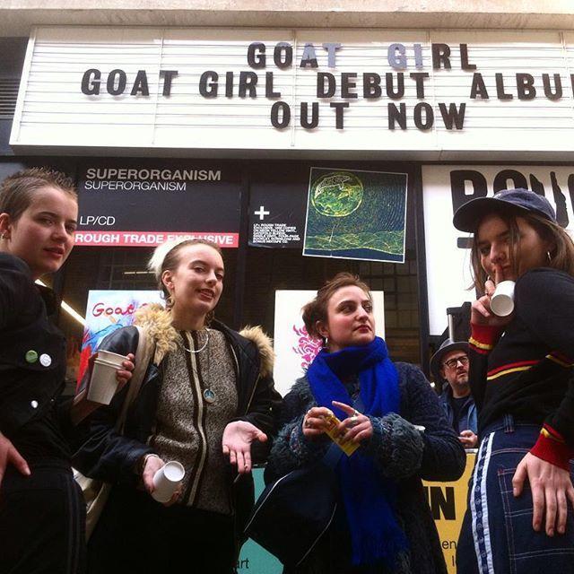 Goat Girl - rocky/grungy/punk - Rock oscuro y sutil - Escena sur de Londres - Página 3 29418010