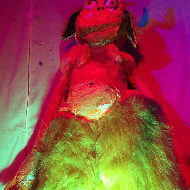 Goat Girl - rocky/grungy/punk - Rock oscuro y sutil - Escena sur de Londres - Página 3 29716510