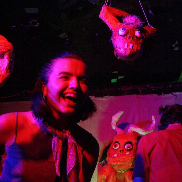 Goat Girl - rocky/grungy/punk - Rock oscuro y sutil - Escena sur de Londres - Página 3 29717010