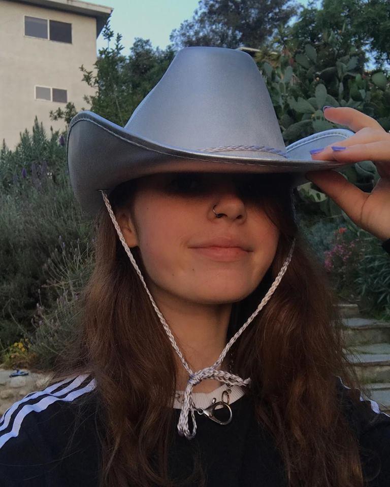 "clairo - Clairo - aka DJ baby benz - Lo-Fi Bedroom Pop - Boston, Massachusetts - ""Immunity"" (2019) 32915211"