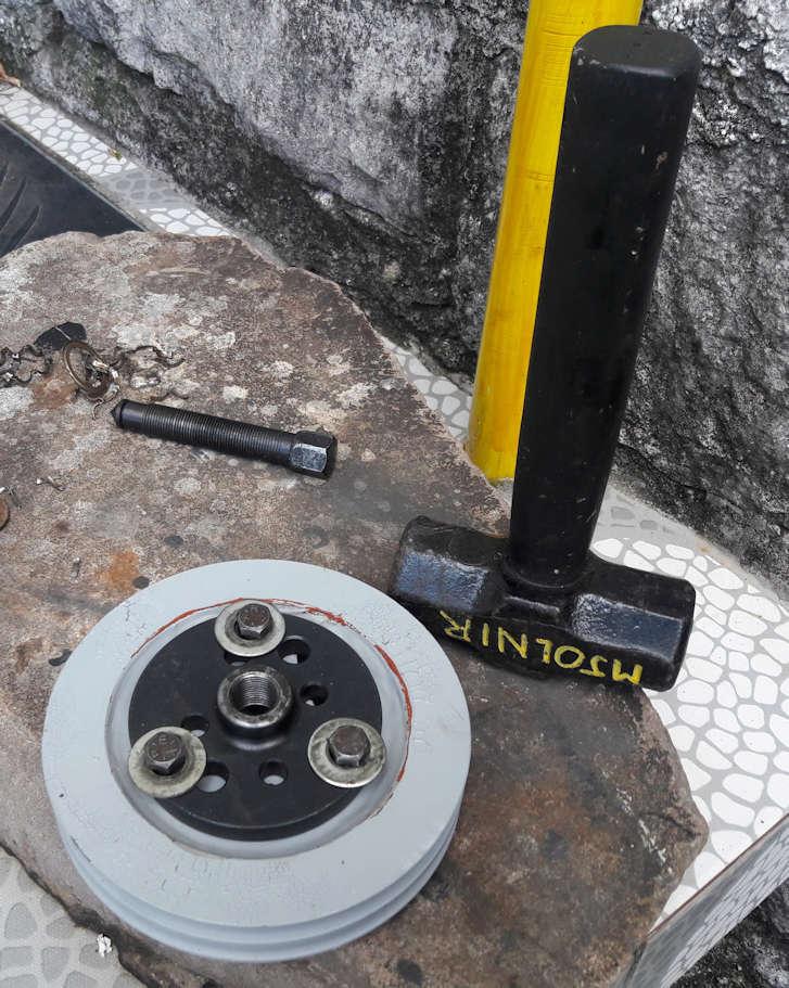 Passo a Passo simples pra troca do comando de valvulas com motor no cofre Sacado11