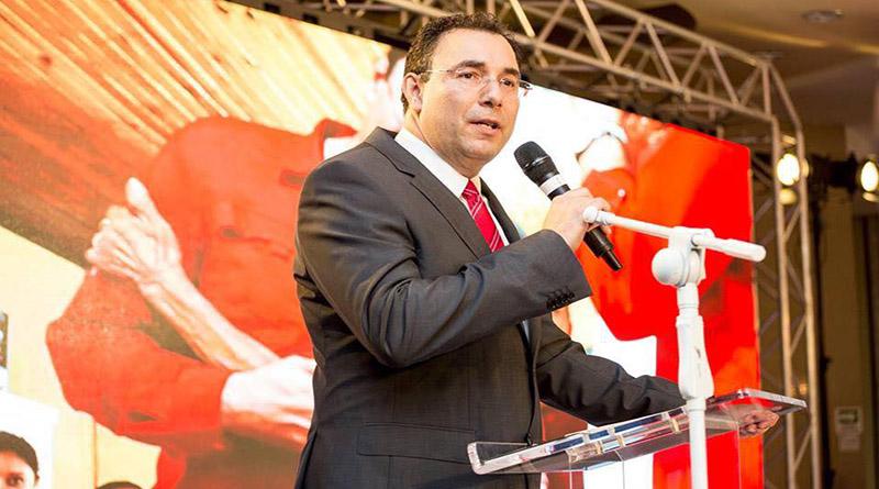 Tribunal Supremo Electoral ha defraudado al pueblo hondureño.Luis Zelaya. Luis-z10