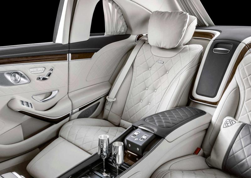 Mercedes com leitor de vinil 03-mer10