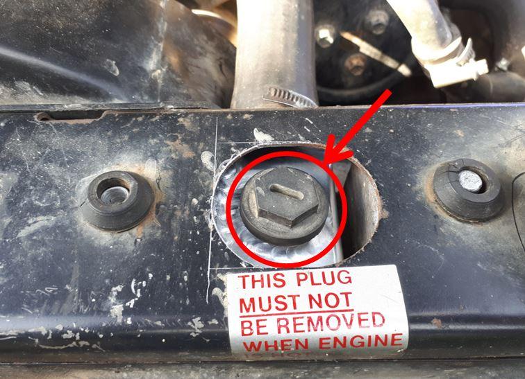 Dépose radiateur: vidanger son circuit de refroidissement sans mettre du liquide partout ....  Boucho10
