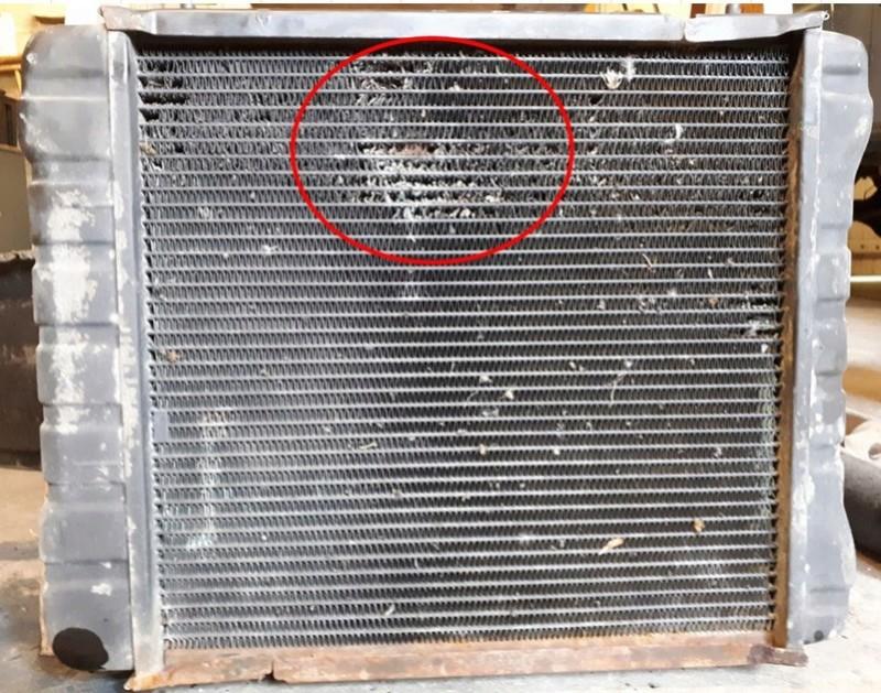 Dépose radiateur: vidanger son circuit de refroidissement sans mettre du liquide partout ....  Zone_d11