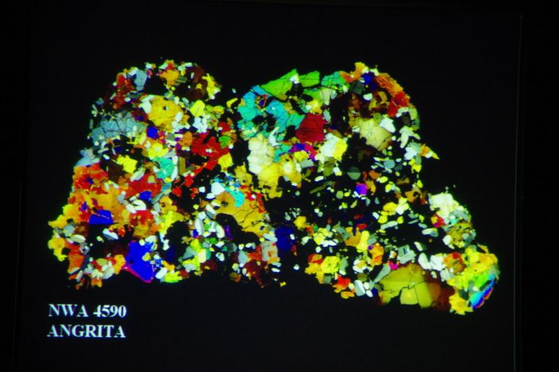 """Propera conferència divendres dia 17: """"Meteoritos. Origen, historia y composición mineralógica"""" 1111"""