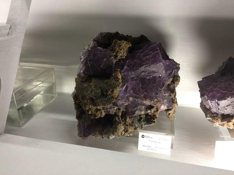 Crònica de la conferència: Formes actuals de documentació, catalogació i conservació preventiva de les col•leccions de mineralogia i petrologia al Museu de Ciències Naturals de Barcelona 413