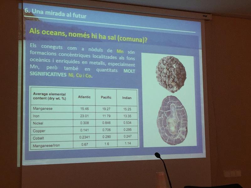 """Crònica de la conferència """"La geologia de la sal"""". Img_0017"""