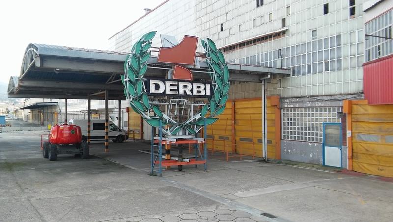 Interior de la fábrica Derbi - Página 5 20180218