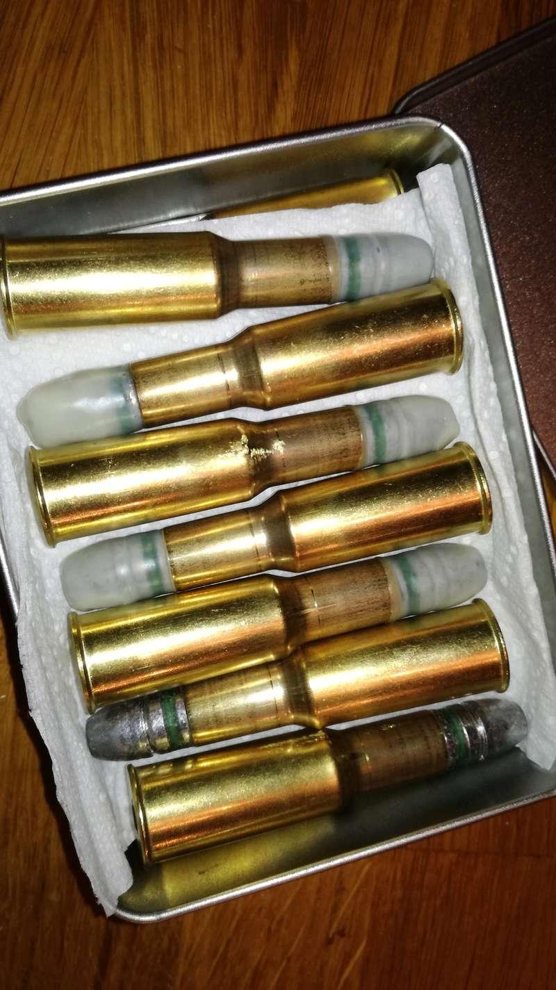former des douilles et recharger du 577/450 Martini Henry  - Page 3 Img_2103