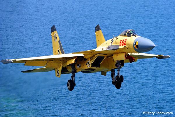 J-15 ή αλλιώς  Su-33 Kinetic...σε ανελκυστήρα!!! J1510